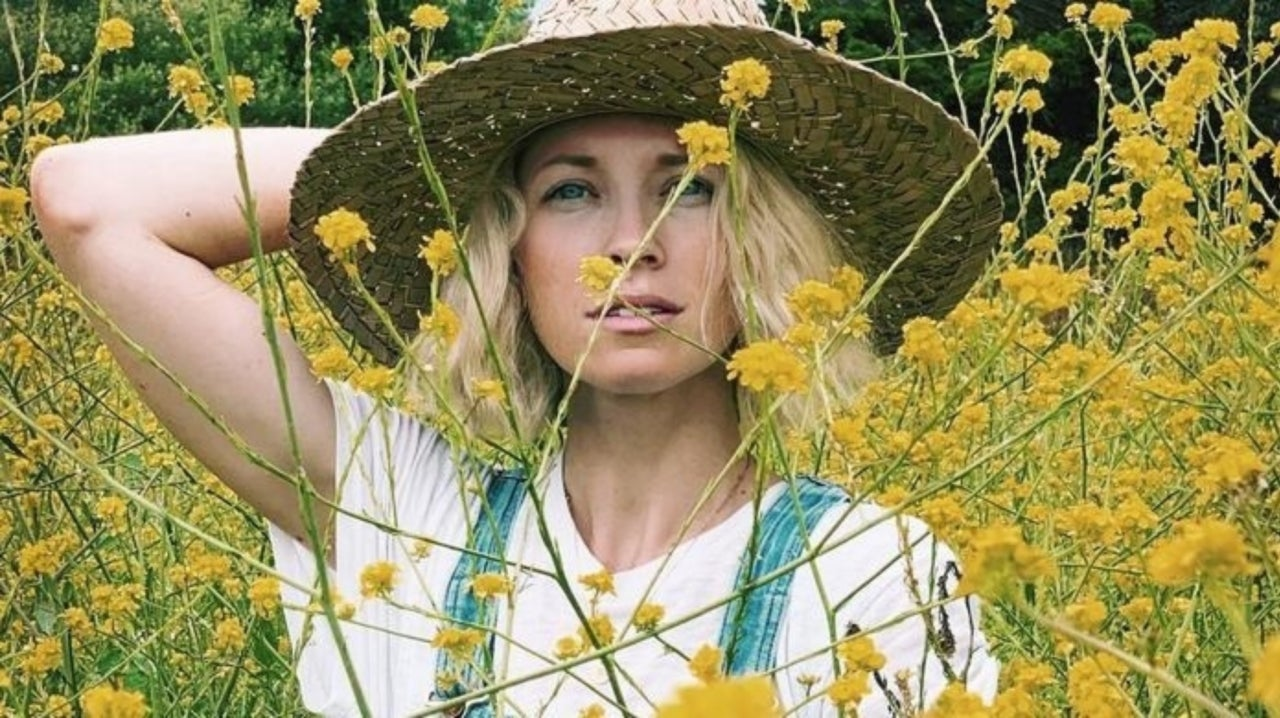 """Brooke White Talks New Album """"Calico"""" Coming Out 10/4!"""