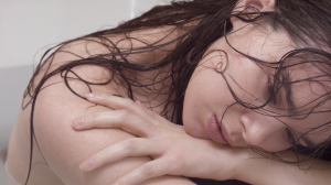 """Watch: Hailee Steinfeld Gets Vulnerable in """"Wrong Direction"""" Music Video"""